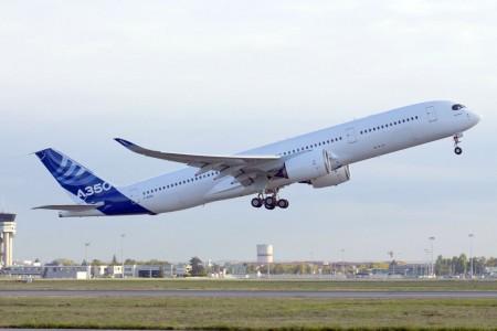 Primer vuelo del segundo A350-900