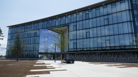 Fachada del edificio principal de la nueva sede de Airbus Group.