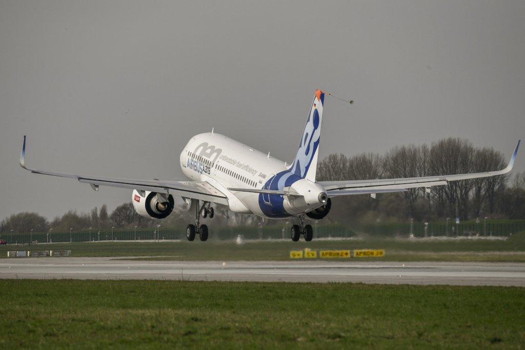 Resultado de imagen para Airbus A319neo png