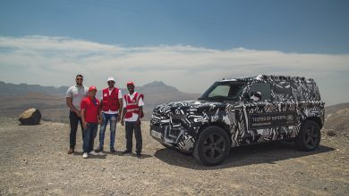 Photo of Red Cross experts push new Land Rover Defender Prototype to the limit in Desert testing.