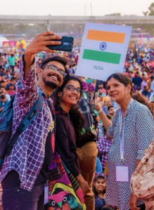 taking-selfie-crowd-international-kite-festival-organizer-nisarg-shah-fly360