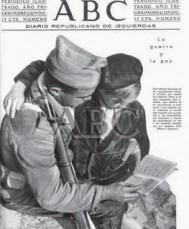 Soldados enseñando a leer