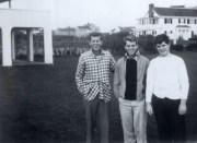 El trío de los hermanos Kennedy (John, Bobby y Teddy), en plena adolescencia, a mediados de la década de los 30 del siglo XX