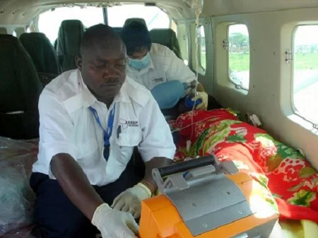 Evacuation of two patients from El wak with post natal complications