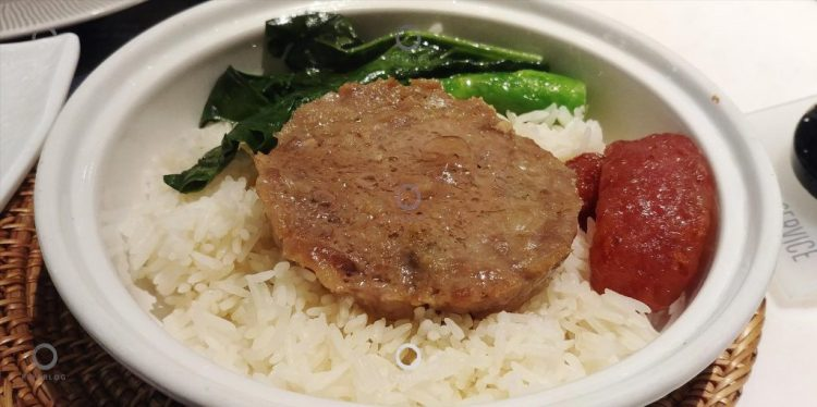 金雞泰國菜館-鹹魚肉餅臘腸飯