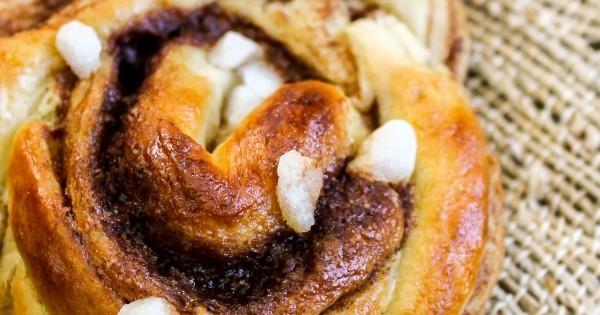 swedish cinnamon buns with