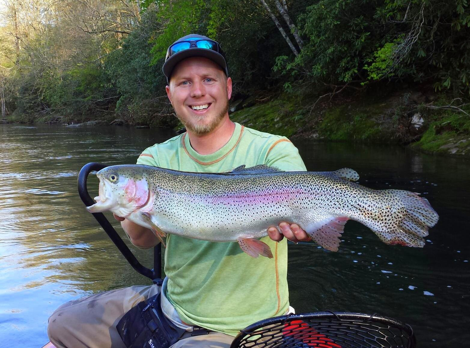 Fly fishing guides in the great smoky mountains of nc and tn for Best trout fishing in nc