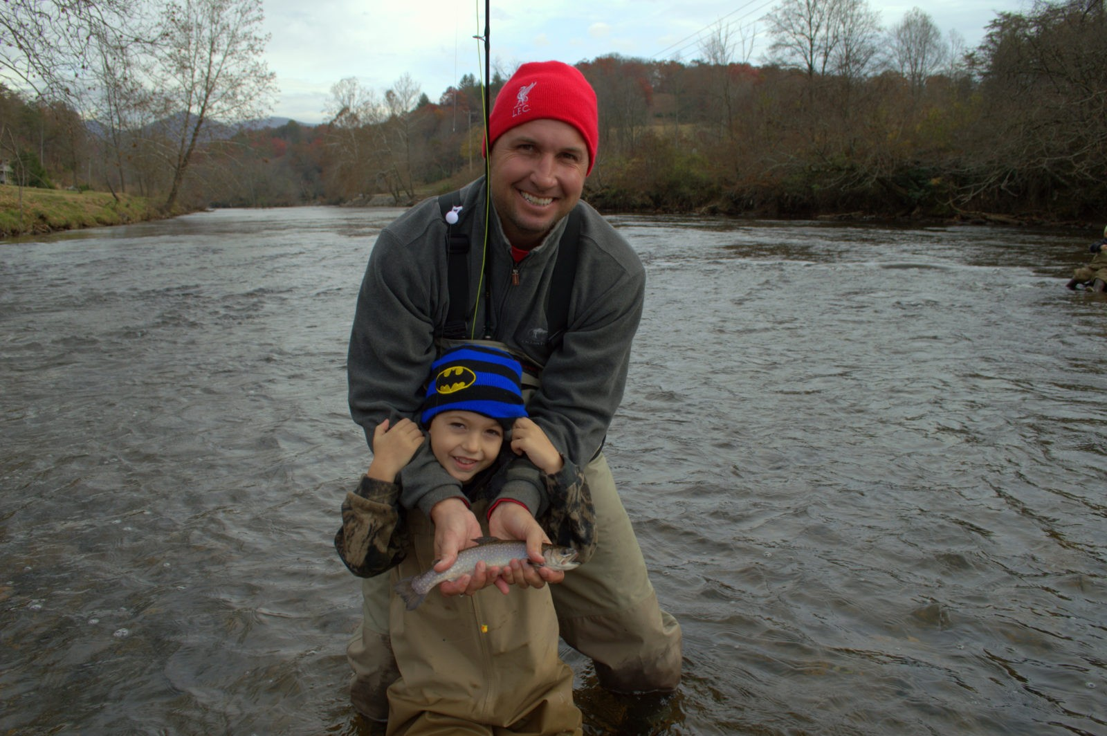Kids guided fly fishing trips family fly fishing smoky for Pigeon forge fishing