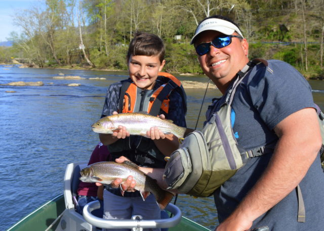 Spring Fly Fishing, Fly Fishing Guides the Great Smoky Mountains National Park Gatlingburg Bryson City Cherokee Pigeon Forge.