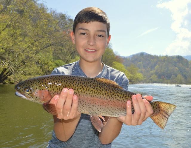 Spring Fishing, Highlands Cashiers Sapphire Valley Fly Fishing GuidesFly Fishing Guides the Great Smoky Mountains National Park Gatlingburg Bryson City Cherokee Pigeon Forge