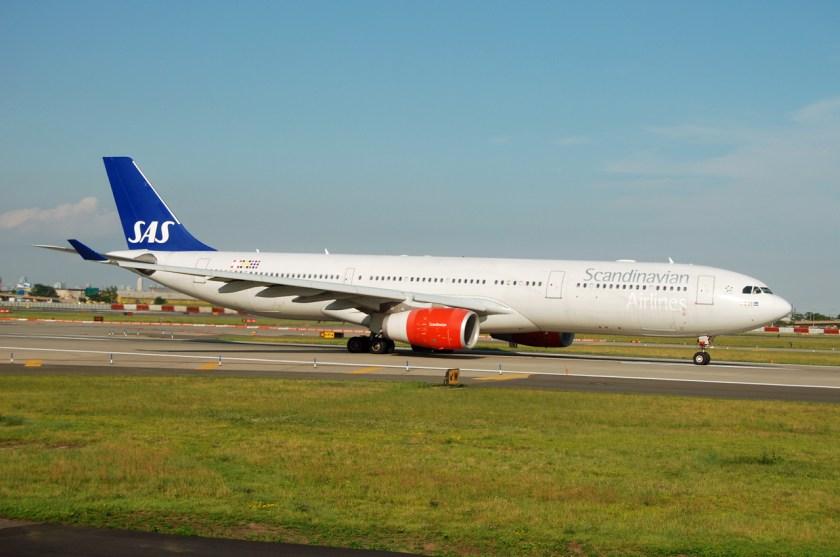 Airbus_A330_(SAS)_(3627261781)