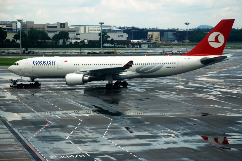 Turkish_Airlines_Airbus_A330-200,_SIN