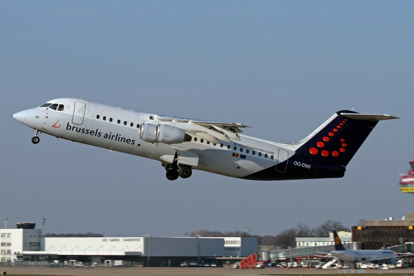 Avro_RJ100_Brussels_Airlines_OO-DWI