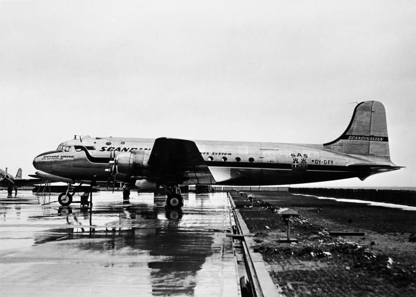 SAS DC-4