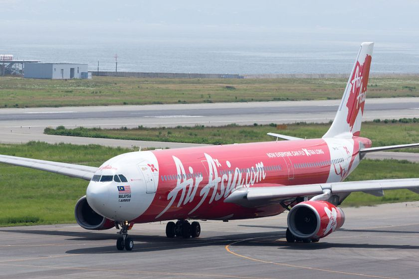 AirAsia_X,_A330-300,_9M-XXI_(19414272682)