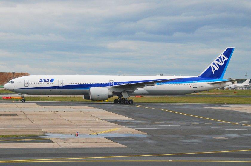 ANA_Boeing_777-300_ER;_JA733A@FRA;17.07.2011_610cx_(6059077097)