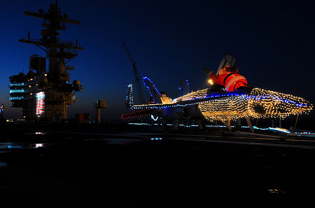 640px-us_navy_101219-n-6632s-012_an_f-a-18_hornet_is_decorated_with_christmas_lights_on_the_flight_deck_of_the_aircraft_carrier_uss_george_h-w-_bush_cvn