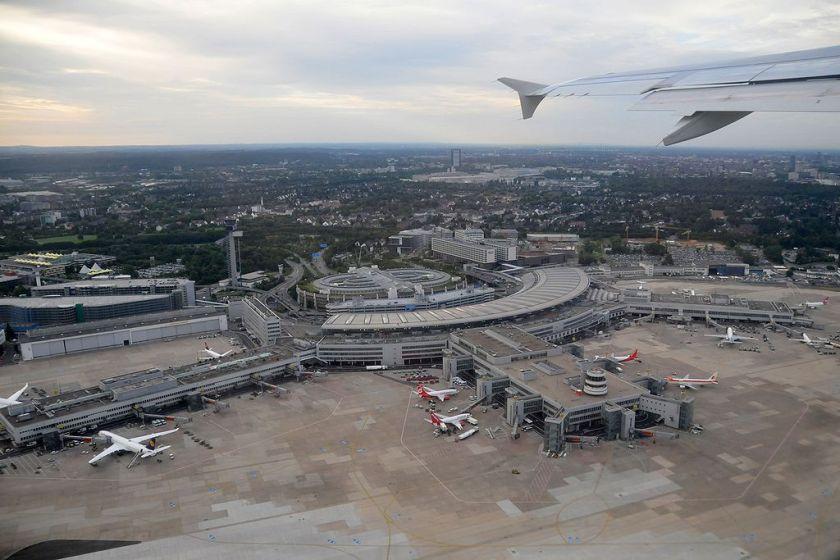 1024px-aeroport_de_dusseldorf