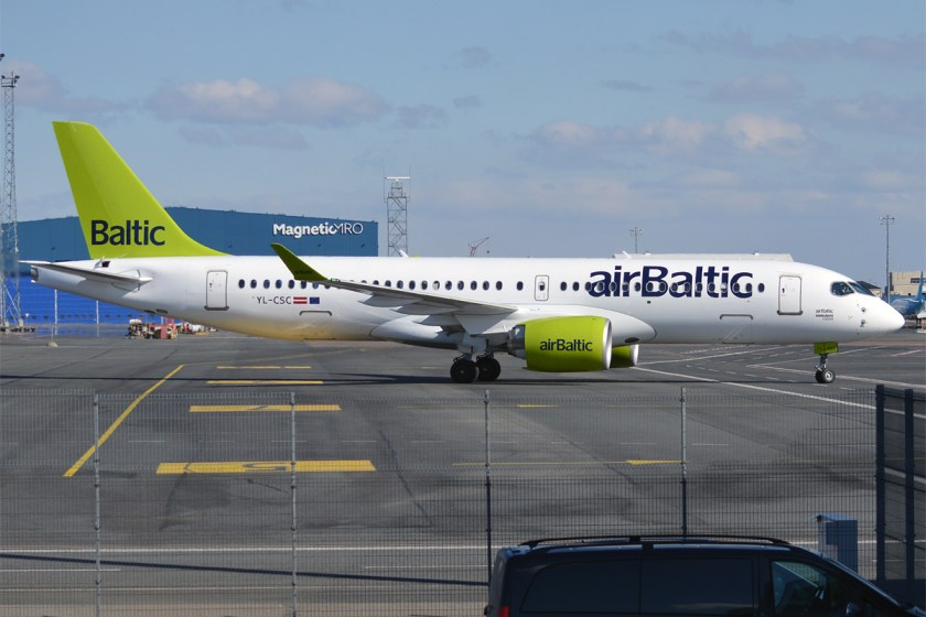 Air_Baltic,_YL-CSC,_Bombardier_CS300_(33697353270)
