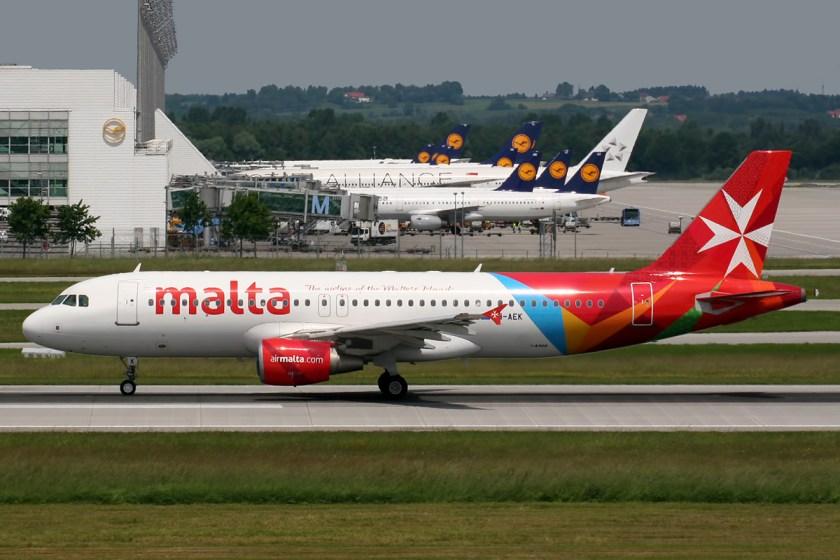 Airbus_A320-211_Air_Malta_9H-AEK_(9370312677)