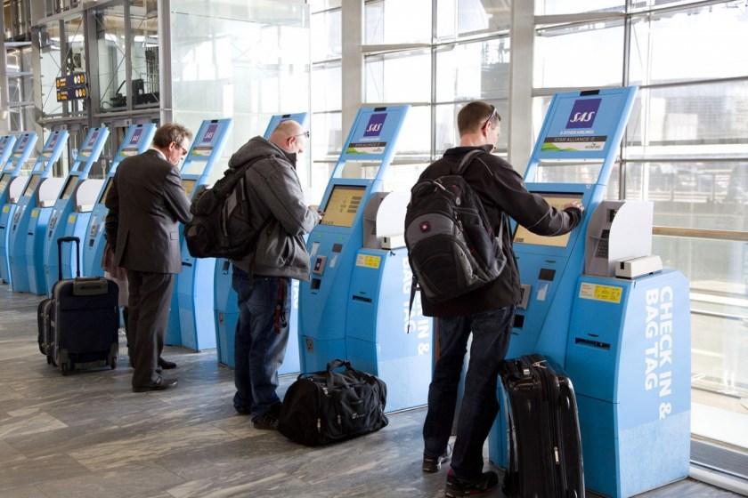 Airport-Check-in-self-service-001-1400x934