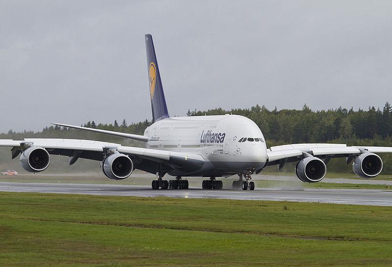 800px-A380LHnr7small1200