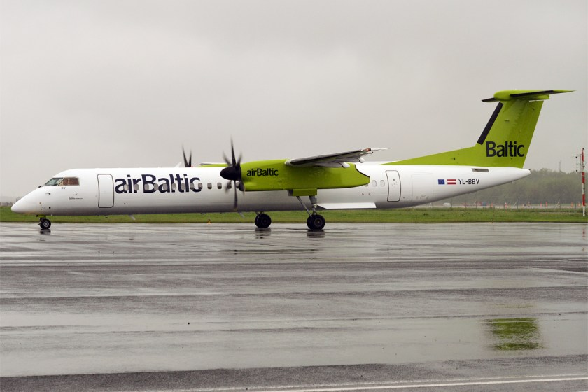 Air_Baltic,_YL-BBV,_Bombardier_Dash_8_Q400_(35291981355)