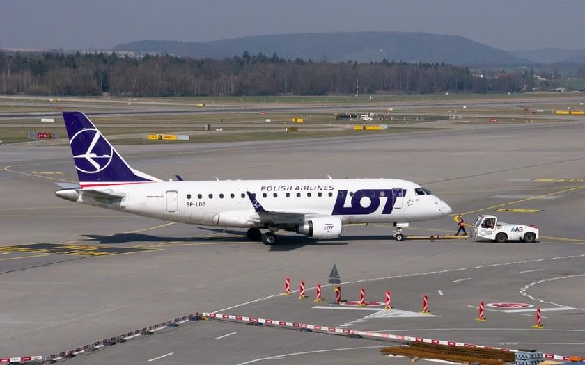 aircraft-2163505_960_720