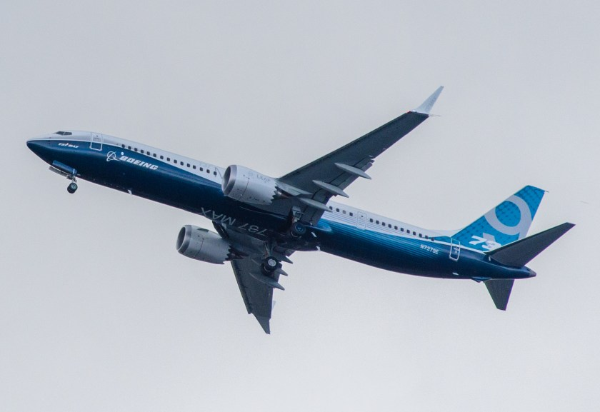 Boeing,_N7379E,_Boeing_737-9_MAX_(cropped)