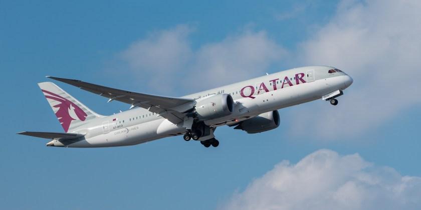 Qatar_Airways_Boeing_787-8_Dreamliner_A7-BCO_MUC_2015_02