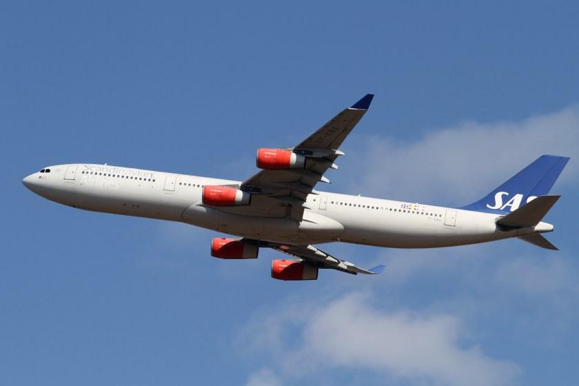 SAS_A340-300(OY-KBA)_(6782321191)