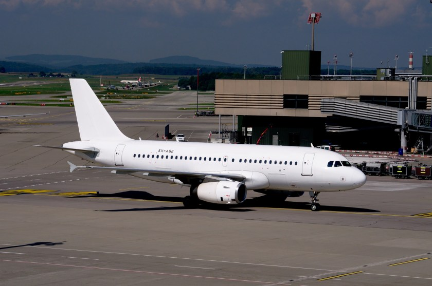 airbus-a319-1683393_1920.jpg