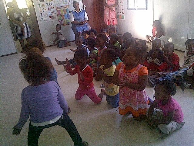 Dansande barn pa daghemmet2