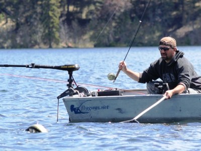 ... trying to land a scrappy Roche lake bow!
