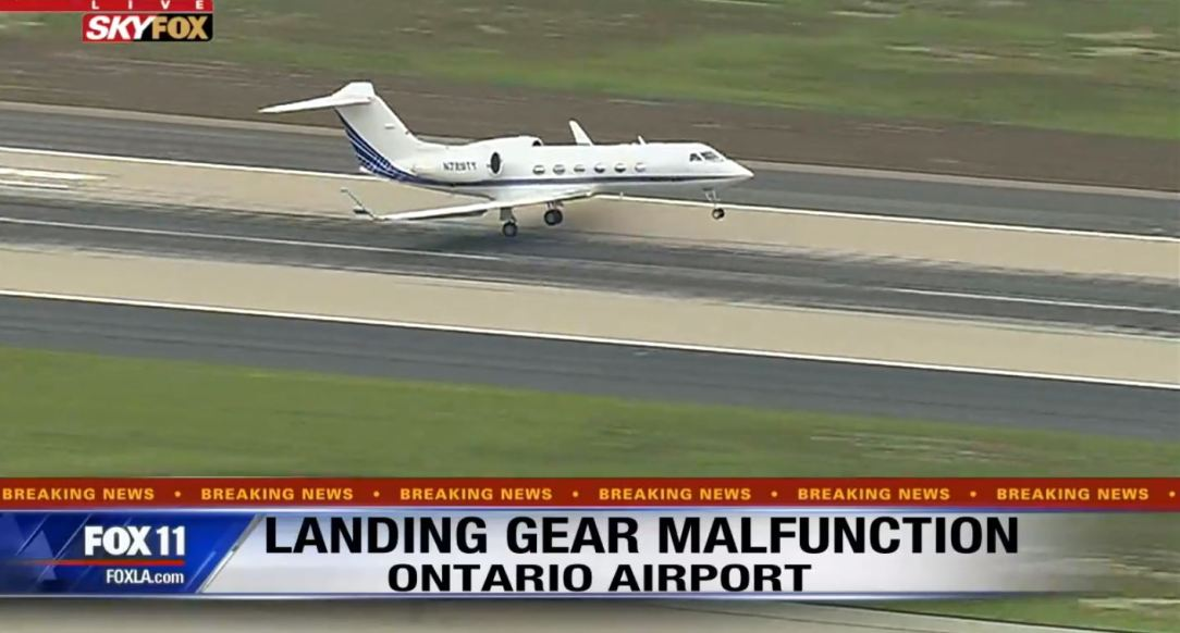 Emergency landing private jet Jennifer Aniston at Ontario Airport