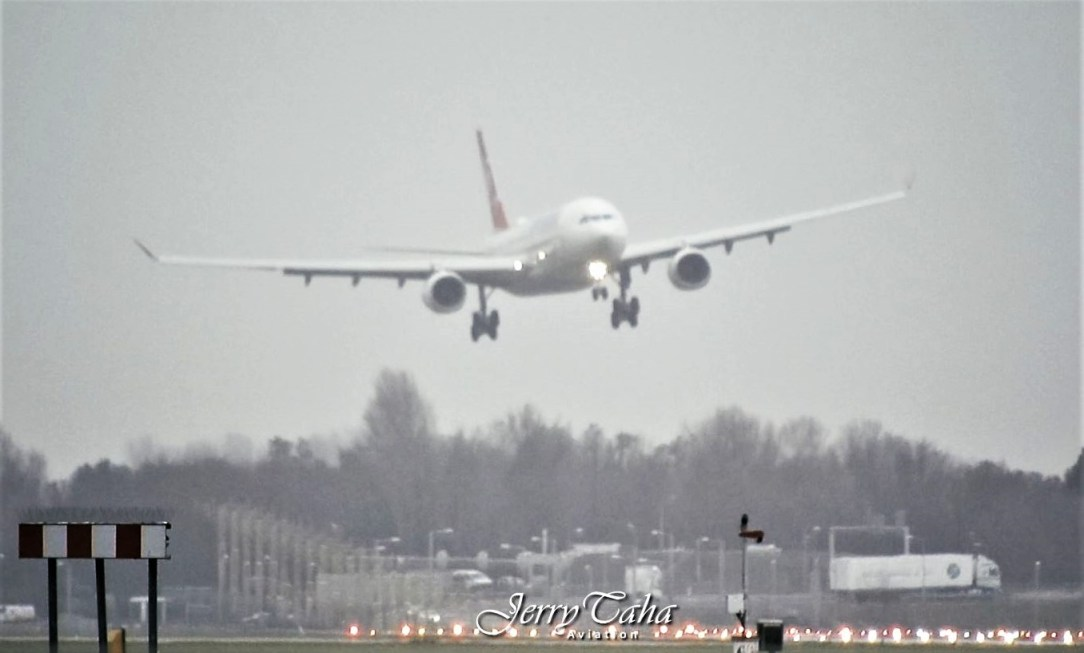 Turkish Airlines A330 Storm landing at Amsterdam Airport