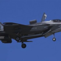 VIDEO - USMC F-35B LIGHTNING II DEMO AT MCAS BEAUFORT AIRSHOW 2019