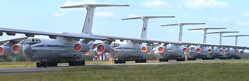 Russian IL-76s battle to contain the blazes in Siberia