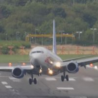 VIDEO - SPECTACULAR ABORTED LANDING OF JET2 BOEING 737