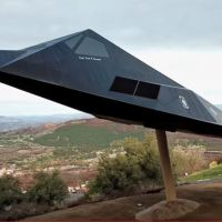 VIDEO - PEACE THROUGH STRENGTH: F-117 DISPLAY AT RONALD REAGAN PRESIDENTIAL LIBRARY