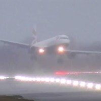 VIDEO | STORM DENNIS - TURBULENT CROSSWINDS & GO AROUNDS