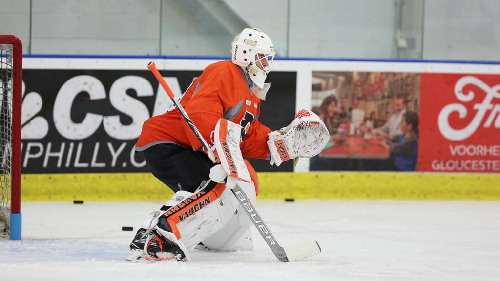 Hart, Sandstrom progress, brighten Flyers' goaltending future