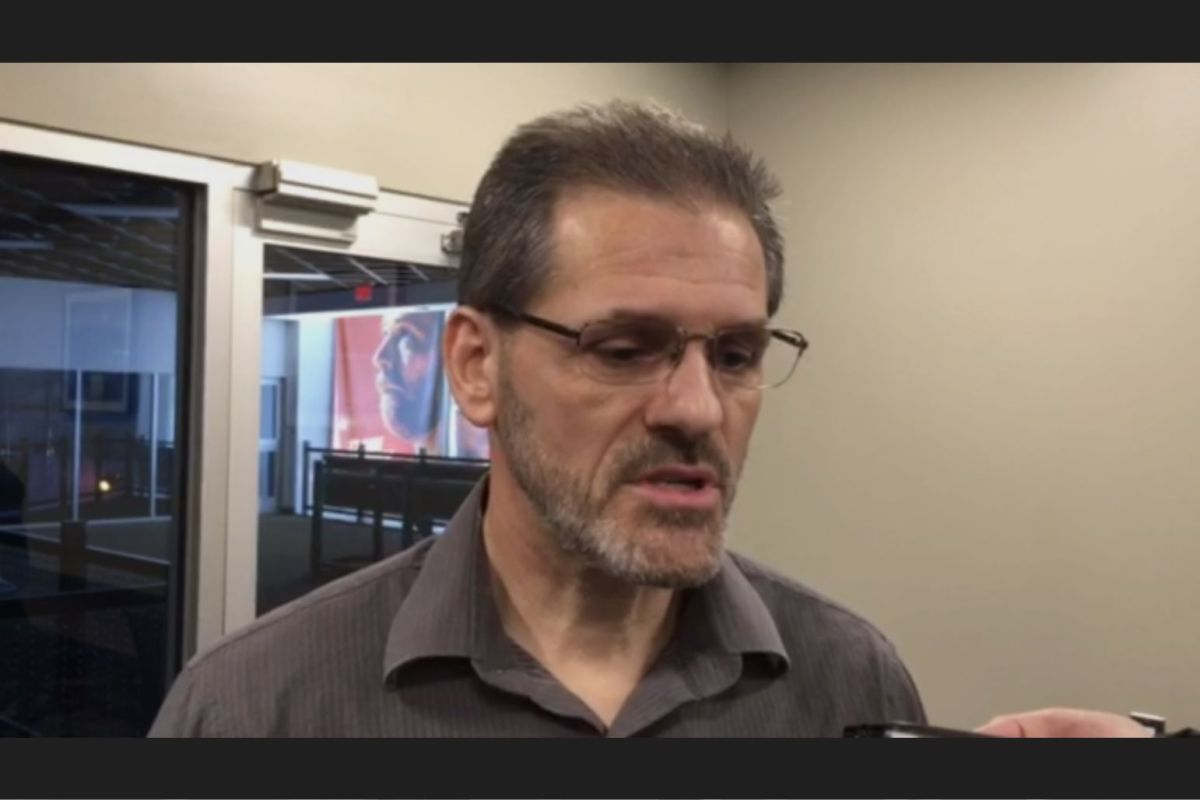 GM Ron Hextall discusses timeframe for injured goalies' return.