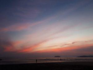 タンジュンアルビーチ