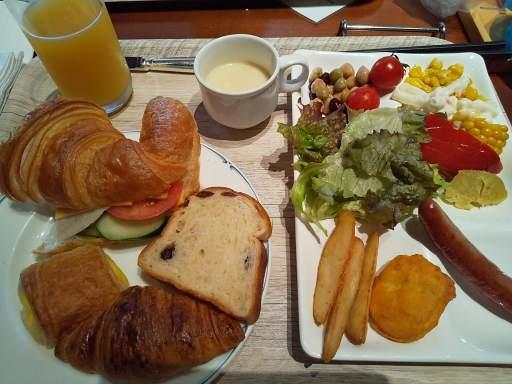 パインテラス朝食