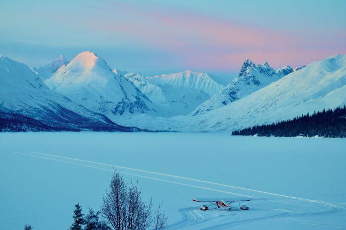 chelatna lake lodge alaska