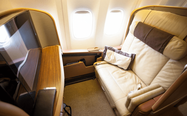 Fly in style on Singapore's 777-300 first class cabin!