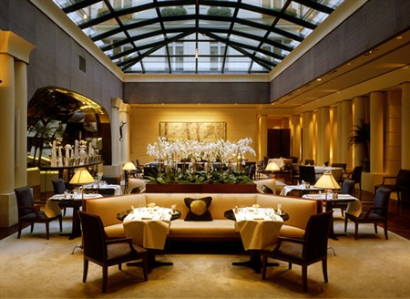 park-hyatt-paris-vendme-now-an-official-palace_1