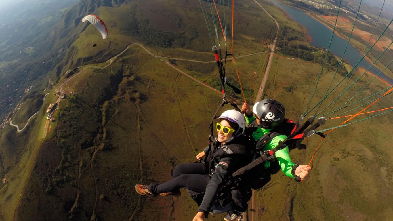 Voo duplo de Parapente (Paraglider). Serra da Moeda - Topo do Mundo - Bh - Belo Horizonte