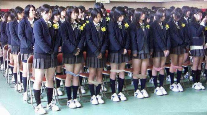 なぜ日本の女子学生の下着をチェック  興味深い[3:20x720p]の世界で